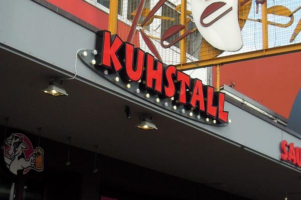 Junggesellenabschied Hamburg in der Partylocation Kuhstall