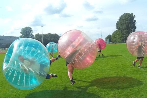Bubble Soccer beim Junggesellenabschied